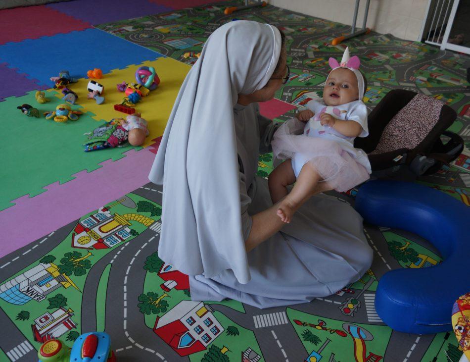 Imagem mostrando algumas fotos de educação infantil